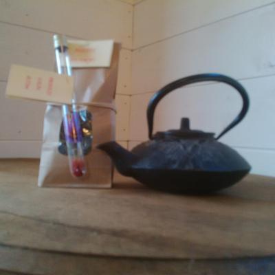 LOT : 0,1 g de stigmates de Safran + 100 g de feuilles de thé vert BIO